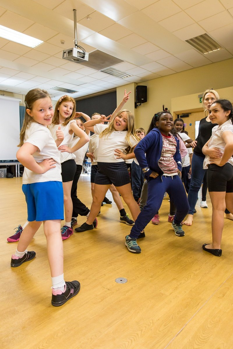 Can dance improve writing skills ? Artist Hayley Beecher works with KS2 pupils to find out